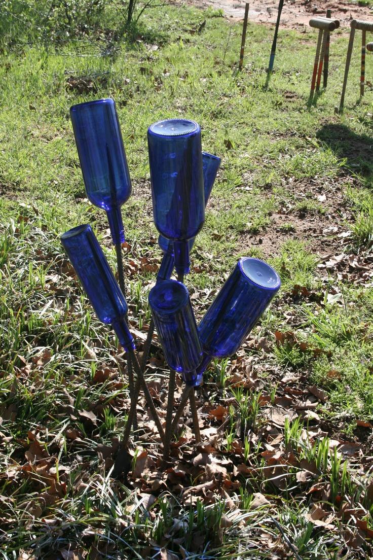 1492 best Bottle trees images on Pinterest | Bottle art, Blue bottle ...