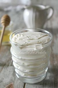 Crema al latte, ricetta base per farcire dolcissimi