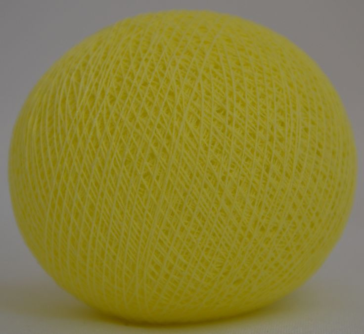 Soft Lemon Rind Cotton Ball Light Ball, handcrafted diameter about 7 cm Each ball has a small hole about 5 mm Composition: Ball polyester yarn be installed on a light string