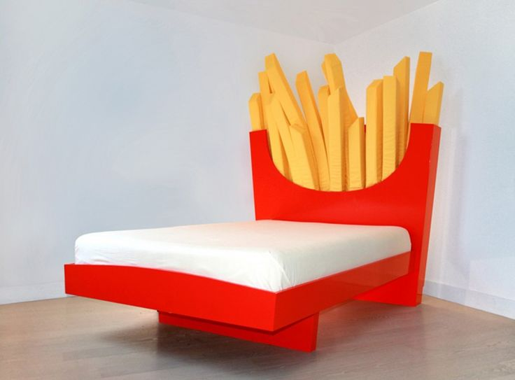 Et si vous dormiez dans une barquette de frites géante ?