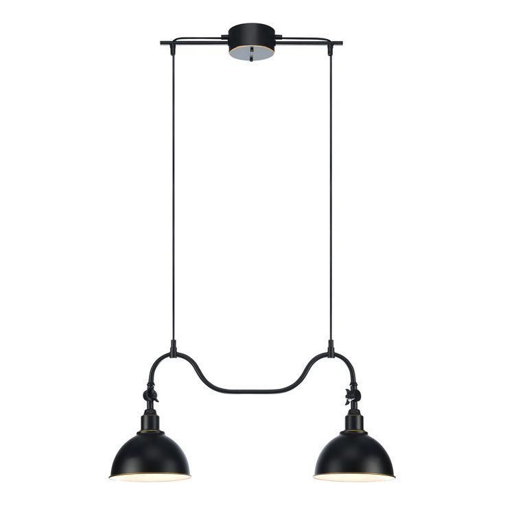Stalllampa i klassisk modell Markslöjd taklampa Ekelund. En snygg taklampa med rundaformer och stora lamphuvuden som skapar en bred ljusstråle. Lampan är