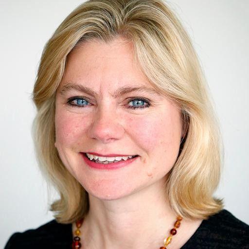 Una ministra del Partido Conservador británico ha aprovechado el orgullo 2016 para salir del armario en Twitter, haciendo una broma sobre el Brexit.