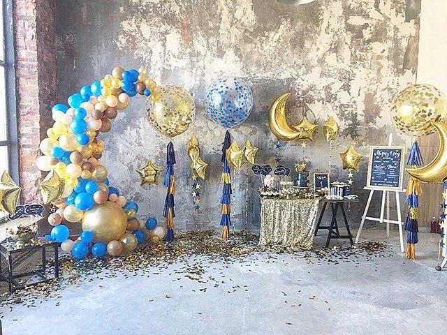 Выходные в красоте, безумные новые цвета, много шариков, шаров, доставок и счастливых клиентов))) но, самым прекрасным было это оформление для маленького Марка в честь первого Дня рождения!  Декор, идея: @blossom_design.com.ua   Шары, шарики, гирлянды: @miballoons   Полиграфия: @vishnevska.studio   Кенди бар: @candybuffet_kiev   Печенье: @_vsesweet_   #miballoons #tothemoonandback #tothemoonnback #tothemoonandback #синезолотой #firsthappybirthday #firstbirthday #evedeso #eventdesignsource…