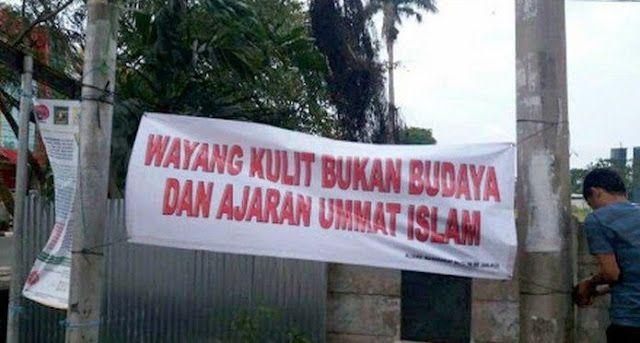 TODAYINDO  - Pada beberapa titik Ibu Kota Jakarta kini telah beredar beberapa spanduk tentang ada...