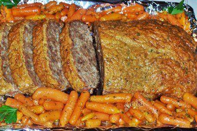 Ingrediente : 1 kg carne toccata ( am folosit de porc dar merge si combinatia vita porc) 3 buc ceapa ½ ceapa razuita ( sau 1 legatura ceapa verde) 3 felii de paine 2 lingurite mustar 3 oua 2 linguri pesmet 2 lingurite boia dulce Patrunjel verde Sare , piper , 150 gr