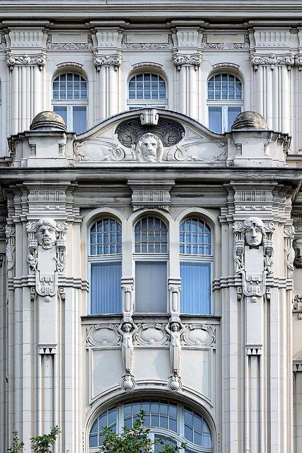 ღღ  House front of an old apartment building in Berlin - Jugendstil/Art Nouveau