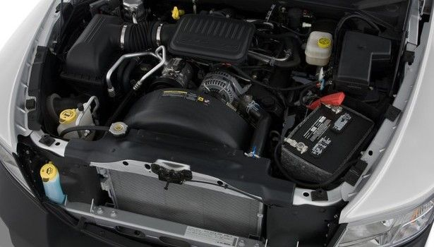 2016 Dodge Dakota - engine