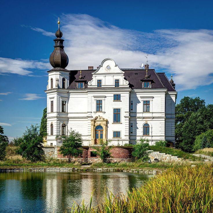 Biskupice Podgórne Pałac z XVIII w.
