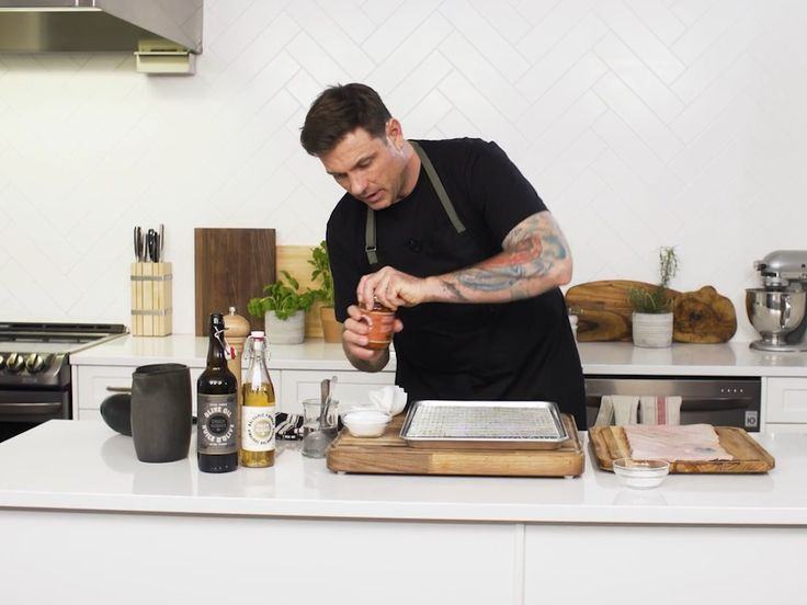 Chef Secrets with Chuck Hughes: Perfect pork crackling - Video  Chatelaine