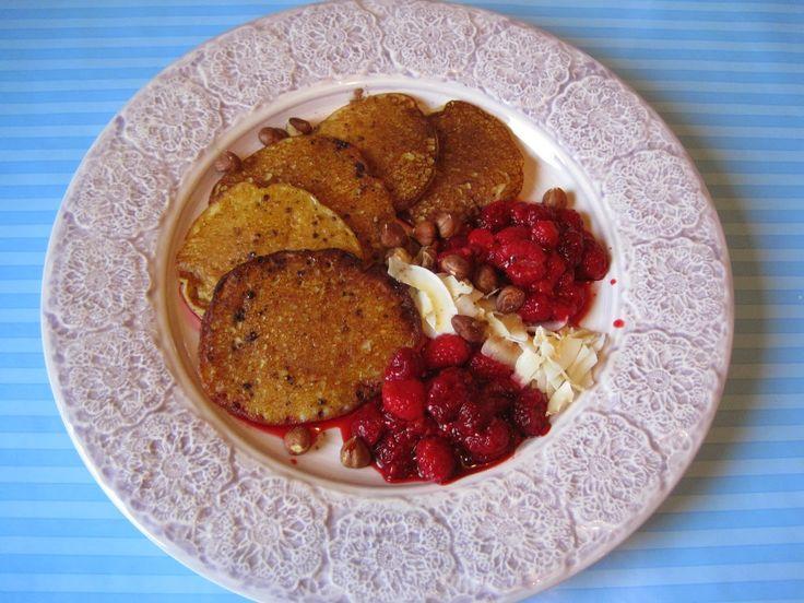 Veganska pannkakor på kikärtsmjöl, manelmjöl och banan