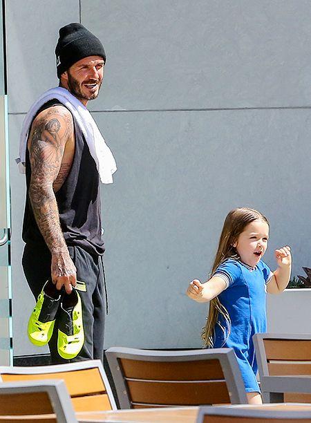 Дэвид Бекхэм с дочерью Харпер на выходе из спортзала