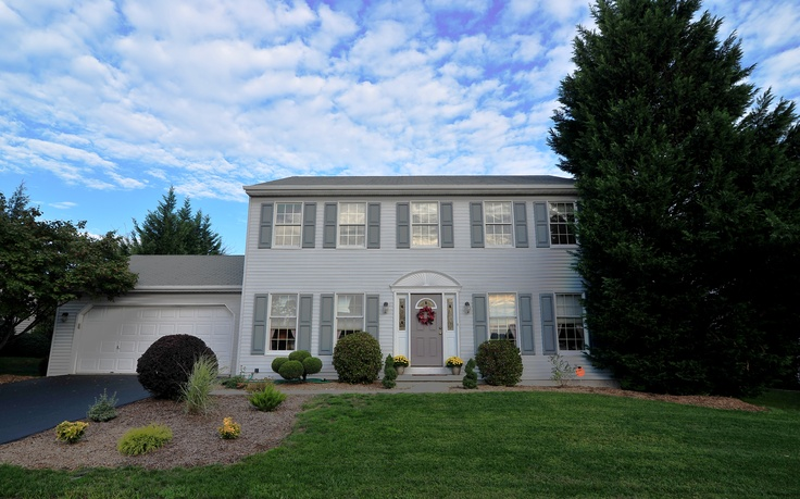 """4 bedroom / 2.5 bath 2 story in the sought after """"overbrook"""" development residing in governor mifflin school district. MLS# 6122967"""