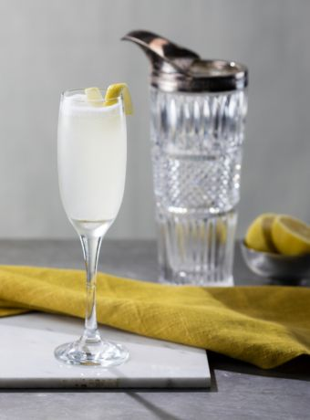 Gin Cocktail French 75  45ml Gin (GF recommends Brooklyn Gin or Santamania)  15ml lemon juice  7.5ml sugar syrup  Champagne