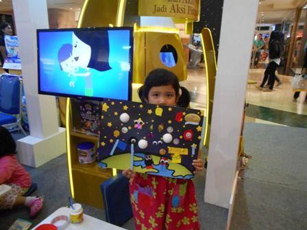 Berkreasi dengan Space Sketcher bersama Galeri Akal di zona S-26 Procal Gold Space Trip #galeriakal Untuk berbagi ide dan kreasi seru si Kecil lainnya, yuk kunjungi website Galeri Akal di www.galeriakal.com Mam!