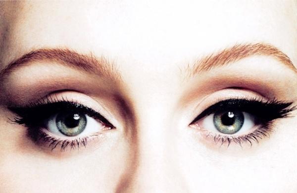 Adele. always love her eye makeup