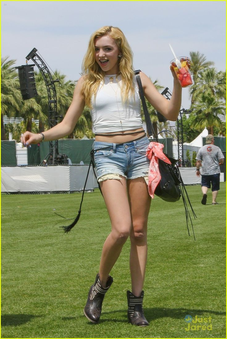 Peyton List kicks off the first weekend of the 2015 Coachella Music Festival with a little dance on Friday afternoon (April 10) in Indio, Calif.