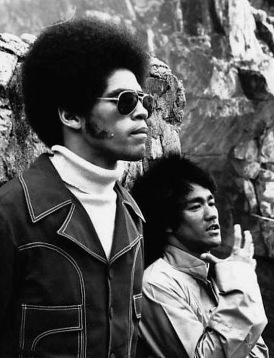 Jim Kelly and Bruce Lee on the set of Enter the Dragon (1973)