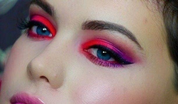 @BellaIzzy hat die Palette Color Chaos verwendet, um diesen lebendigen Look zu erstellen. #aussehen …   – Makeup looks
