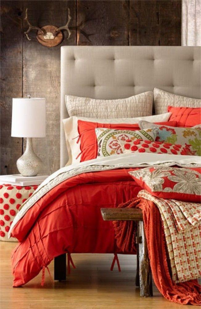 Спальня в  цветах:   Желтый, Светло-серый, Серый, Темно-коричневый.  Спальня в  стиле:   Минимализм.