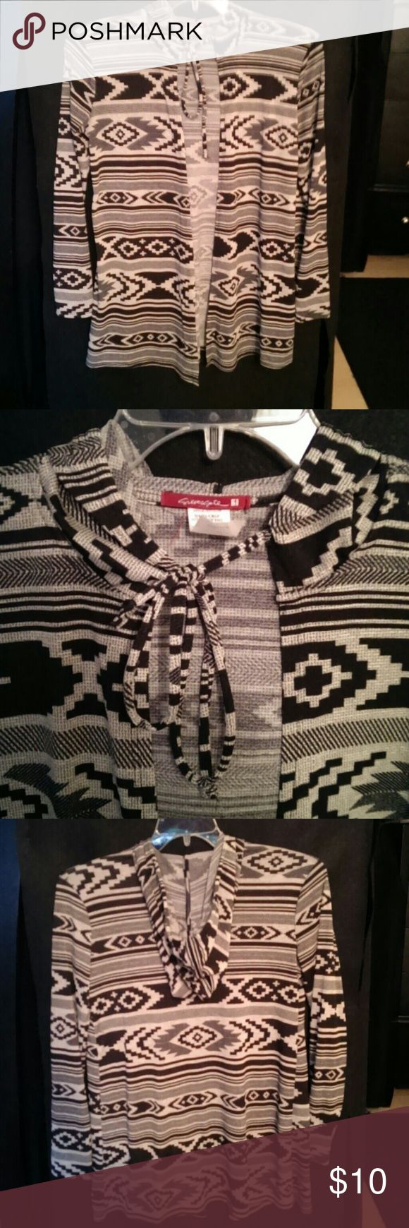 Aztec print cardigan Like new No flaws Love Culture Sweaters Cardigans