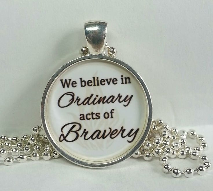 If you LOVE The Divergent Trilogy ..than you will love this FANtastic necklace. * Divergent fan necklaces