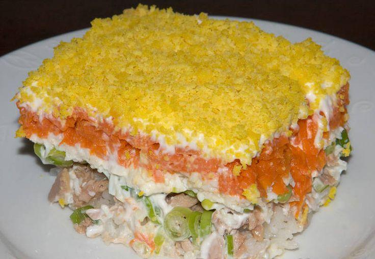 Рецепт салата грибы.оливки.курица.маринованные огурцы