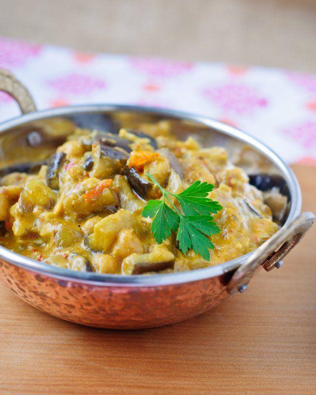 deVegetariër.nl - Vegetarisch recept - De snelle vegetariër: Aubergine kokoscurry met teriyakisaus en kikkererwten