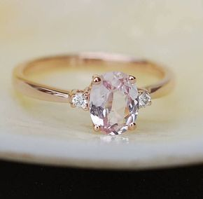 Peach sapphire engagement ring. Promise ring. Oval engagement ring. 3 stone ring. Rose gold engagement ring. Gemstone ring by Eidelprecious – Adamleerodenkirk