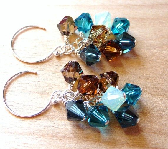 These look just like a pair I've made. I love making earrings with clusters of Swarovski crystals! :-)