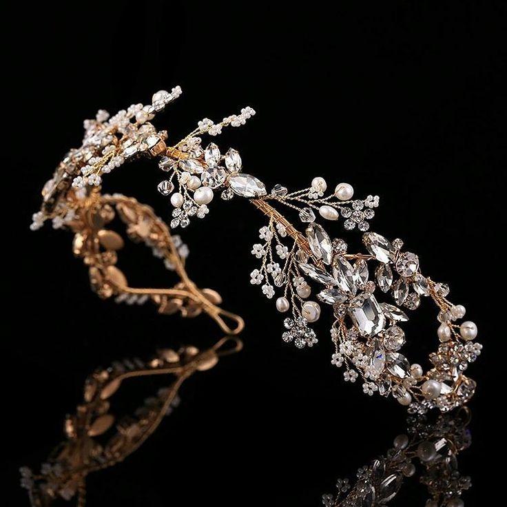9 отметок «Нравится», 1 комментариев — S O N A T A-creative studio (@sonata_studio) в Instagram: «Шикарная свадебная тиара в свадебную прическу от SONATA.( возможно исполнение в серебряном, золотом…»
