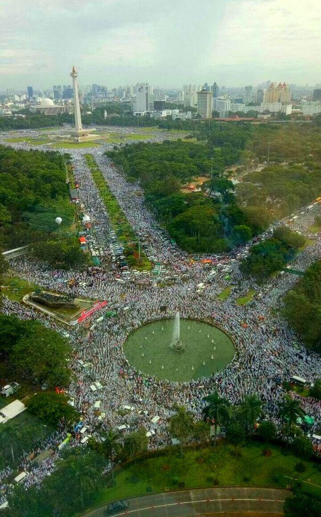 ALLAHUAKBAR ! Beginilah Pemandangan Menakjubkan 4 Juta massa Umat Islam dari Udara