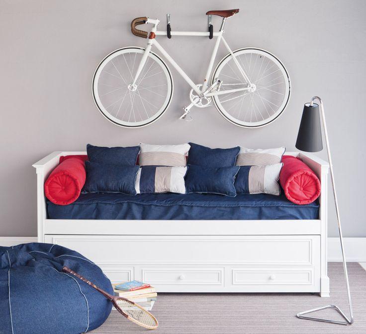Caprice bed w/ underbed