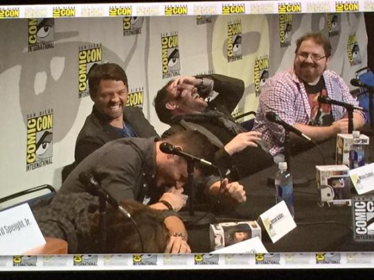 The Supernatural panel at Comic Con in one picture LOL BTW they were laughing about the hilarious hamster #Supernatural SDCC 2015    Jensen Ackles    Jared Padalecki    Misha Collins Mark Sheppard