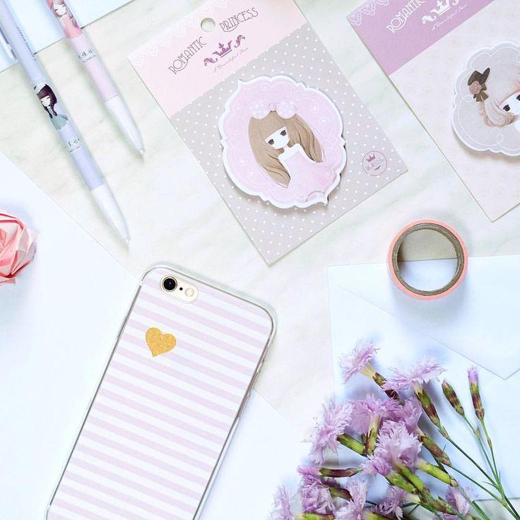 """126 kedvelés, 4 hozzászólás – @viovisions Instagram-bejegyzésének megtekintése: """"One of my favorite phone cases and some cute memo notepads from @happystraps.hu A kedvenc…"""""""