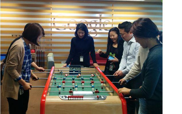 Google 한국 블로그: 청소년 놀이공간, 테이블 사커(푸스볼) 전용 공간을 함께 만들 파트너를 구합니다
