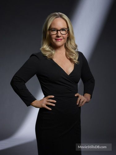 Lucifer - Promo shot of Rachael Harris