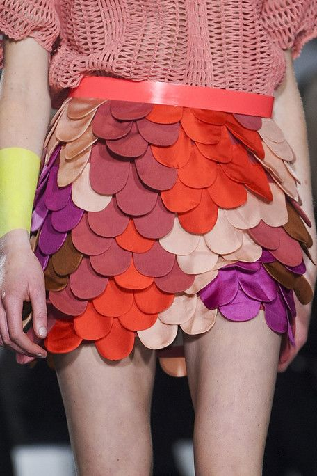 sublime texture and great colour from Sass & Bide F/W 2011/2012: Bide Scallops, Colors Orange, Colors Combos, Beautiful Colors, Scaley Skirts, Fashion Inspiration, Hmmm Faux Feathers, Sass And Bide Skirts, Colors Fish