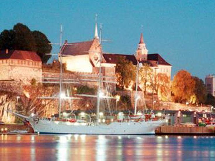 Chez SWISS tu peux réserver un vol à Oslo à prix incroyable de seulement 149.- !  Réserve ici ton vol: http://www.besoin-de-vacances.ch/reserve-un-vol-a-oslo-a-seulement-149/