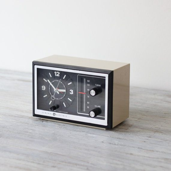 22 best images about alarm clocks on pinterest radios auction and alarm clock radio. Black Bedroom Furniture Sets. Home Design Ideas