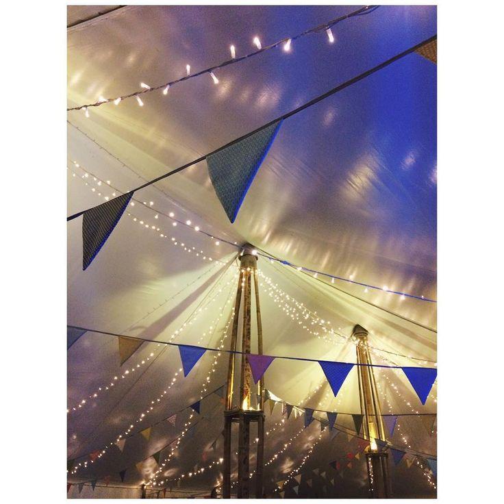 Music & lights ✨  Samedi avait lieu la belle journée et soirée de Charlotte&Antoine : sous un beau soleil et avec une ambiance de feu, la journée a été parfaite 🎉 Retrouver les coulisses dans la story juste au dessus 👆🏻 #lights #mariage #wedding #weddingparty #weddingseason #weddingdj #partenaireparticulier #dj #mariages #vsco #vscocam