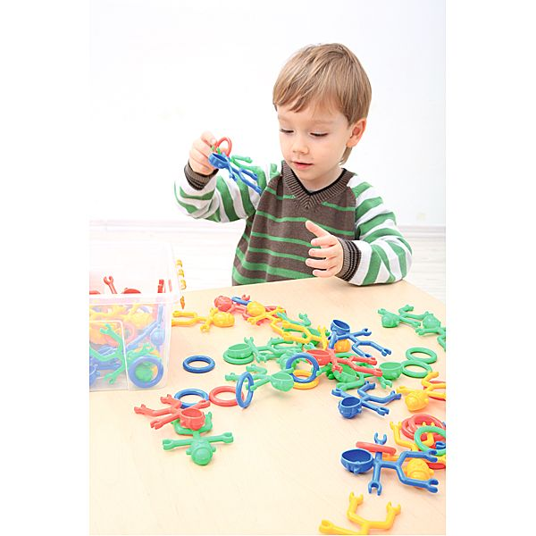 Zabawa klockami konstrukcyjnymi Moje Bambino #fun #kids #bricks #toys  http://www.mojebambino.pl/zabawki-klocki-i-gry/3534-klocki-konstrukcyjne-ludziki.html