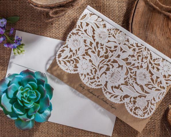 ¡Trendy! Parte de material rustico combinado con pieza calada. de 18.0 x 13.5 cm. MALI Partes de Matrimonio Lima-Perú
