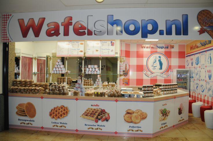 #Wafelshop in Utrecht Holland Hoog Catharijne #Crepes #Poffertjes #Stroopwafels #LuikseWafels #BrusselseWafels #Kruimels