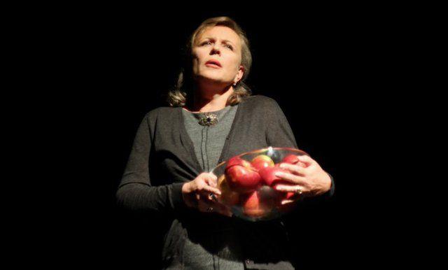 """""""Danuta W."""" Monodram w wykonaniu Krystyny Jandy. Premiera: 2012-10-11 Teatr Polonia, Warszawa. Foto: Karolina Folf.  http://monodramus.eu/"""