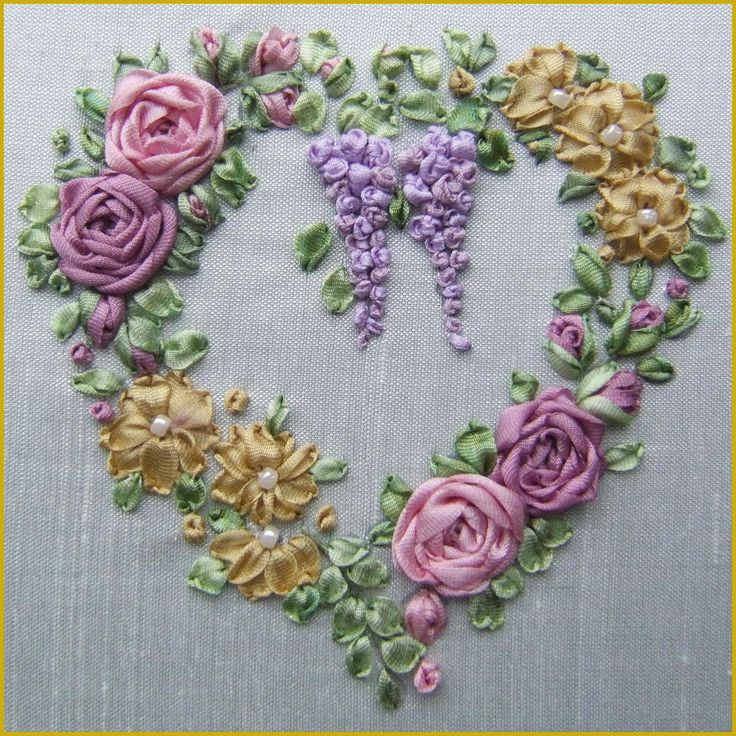 Roses & Wisteria Heart Embroidery Full kit - Valentines - Valentine Craft - Valentine Decorating Ideas   #valentines  #hearts