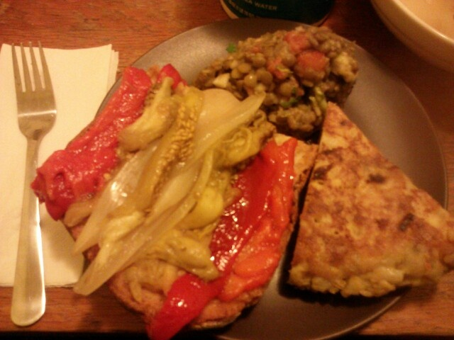 I ate spain food.  It was sooo delicious.  I can't forget it. :) -Mai