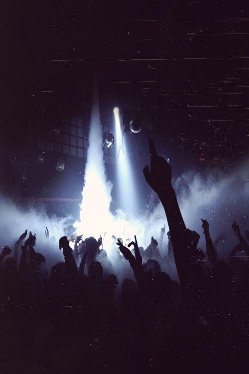 -Ich kann nicht tanzen, doch ich will. Du hast ein ähnliches Gefühl. Lass die Musik an, lass die Musik an.-