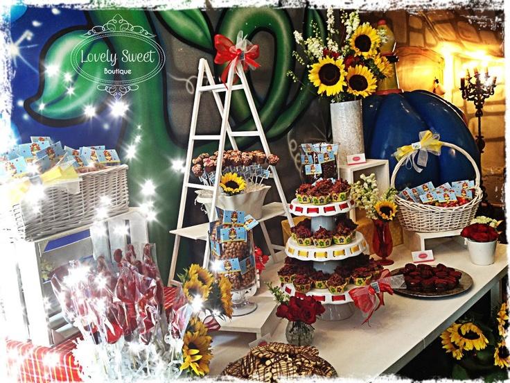 Mesa de postres y dulces Primera Comunión de Virgencita Plis!!!  www.lovelysweet.com.mx