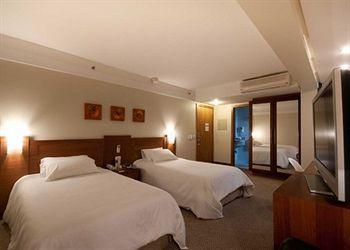 Quality Hotel Porto Alegre, situado en pleno centro de la ciudad, este hotel 3 estrellas ofrece todas las comodidades y el mayor confort.