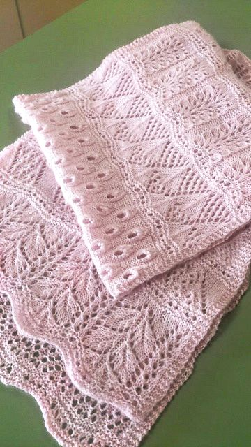 Delicate pink lace scarf (knitted)